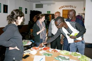 Degustación de variedades locales de lechuga y tomate