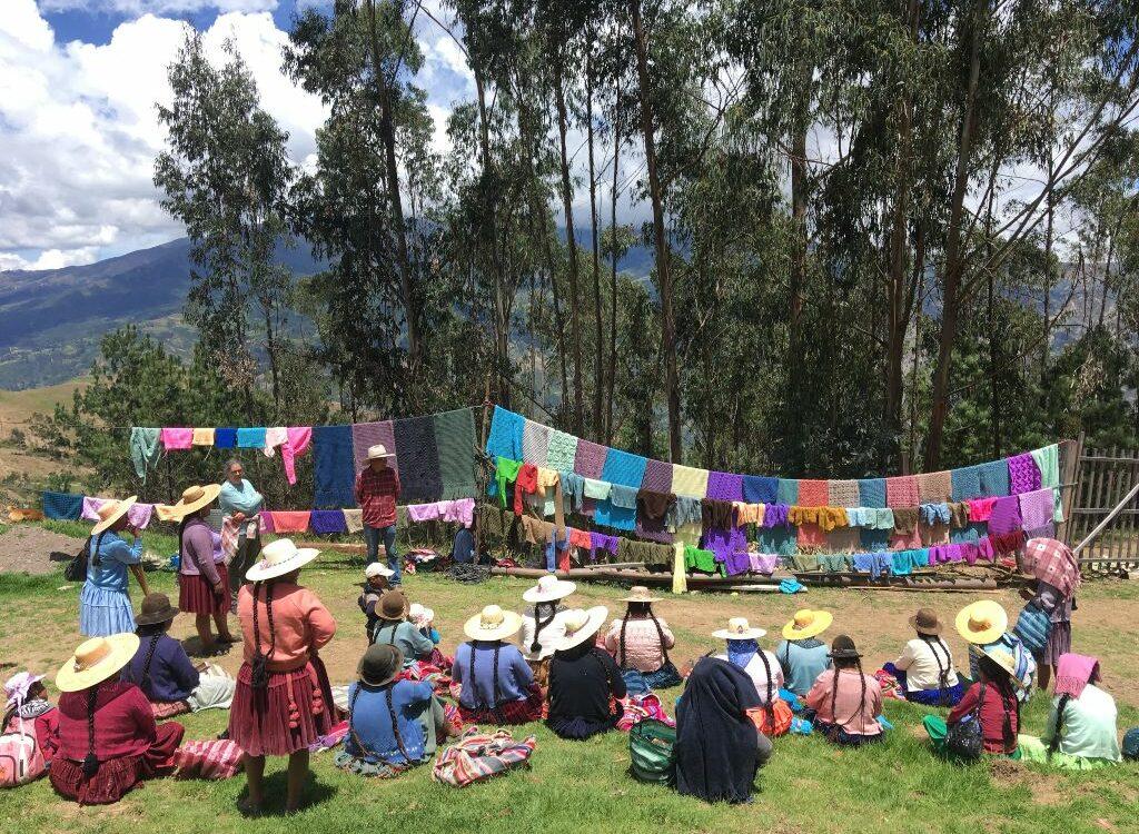 Grupo de mujeres rurales de Bolivia_Proyecto de la Asociación Nuevos Caminos - Nous Camins